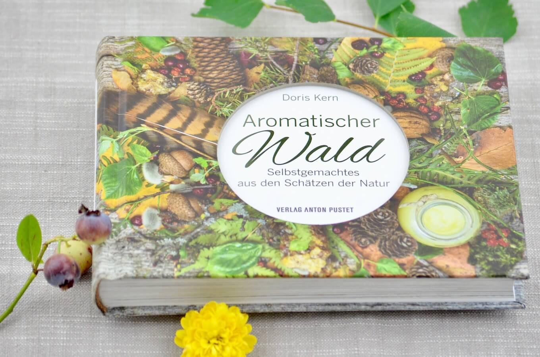 Aromatischer Wald - das neue Buch von Doris Kern