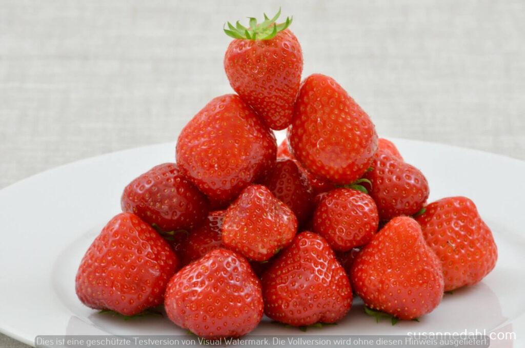 Erdbeeren, rote Früchte im Sommer
