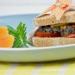 Rustikales, vegetarisches Sandwich